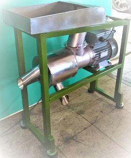 Sanayi/Piyasa/Köy Tipi Salça Makinesi ile Domates Çekimi
